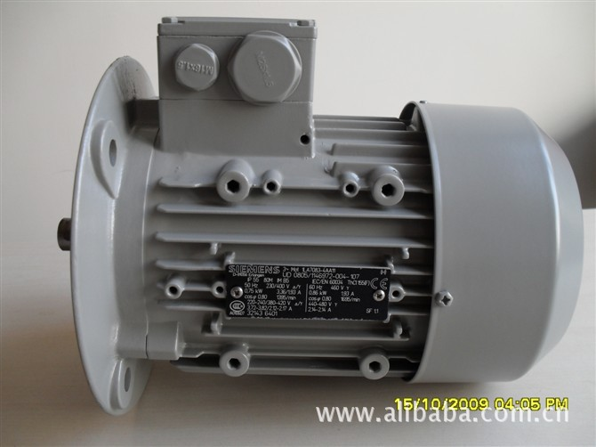 西门子电机(SIEMENS电机)西门子公司是全球领先的电机制造商,拥有超过100多年的电机制造经验。西门子电机产品涵盖了几乎所有工业领域所能使用的电机,无论您需要驱动何种负载,西门子电机都能满足系统的具体要求。现推出西门子电机1LG0/1LA7/1LA4/1LA6新产品 额定功率范围:0.