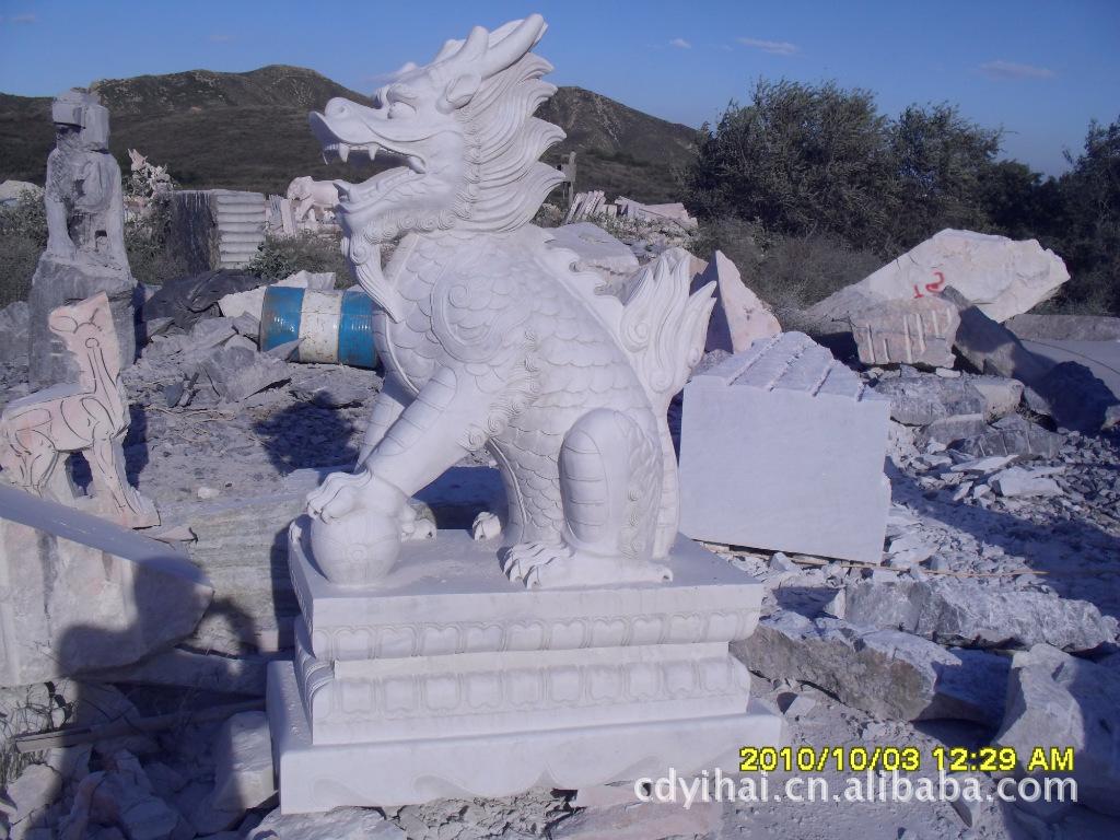 本公司加工销售各种石雕、砂岩雕塑、玻璃钢雕塑、锻铜雕...