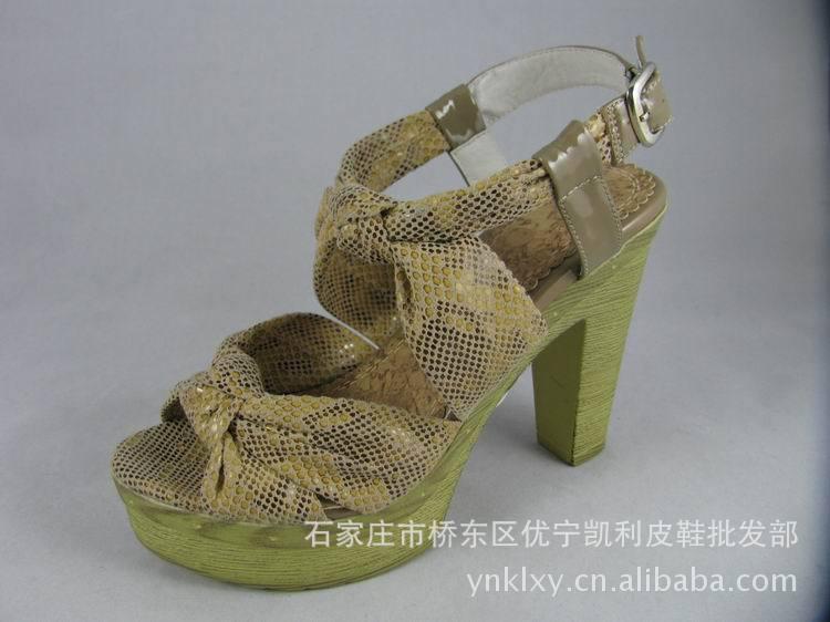 厚防水台超高跟仿蛇皮纹女凉鞋批发 甜美时尚潮品 优宁凯利5799