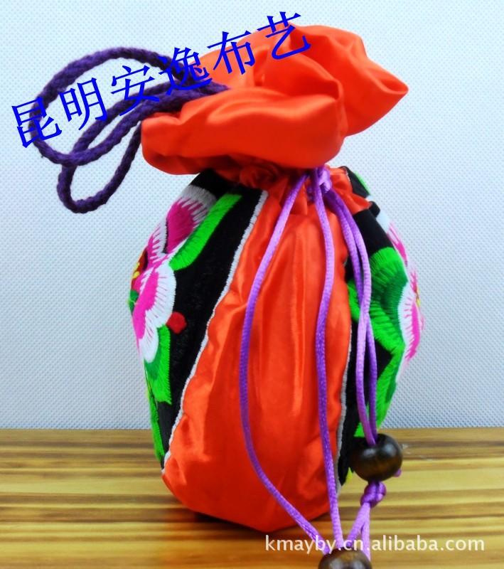 民族风布艺绣花包 女式休闲包 手提包 旅游包
