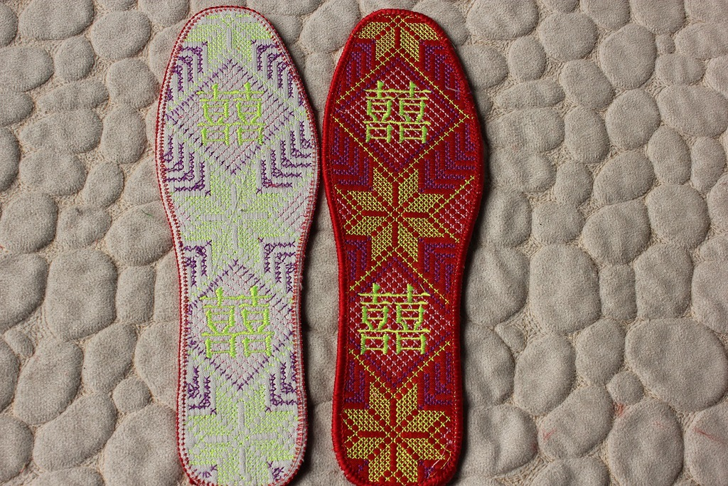 十字绣鞋垫 批发十字绣精品鞋垫 绣字棉布鞋垫 绣花棉 红色十字绣 阿里