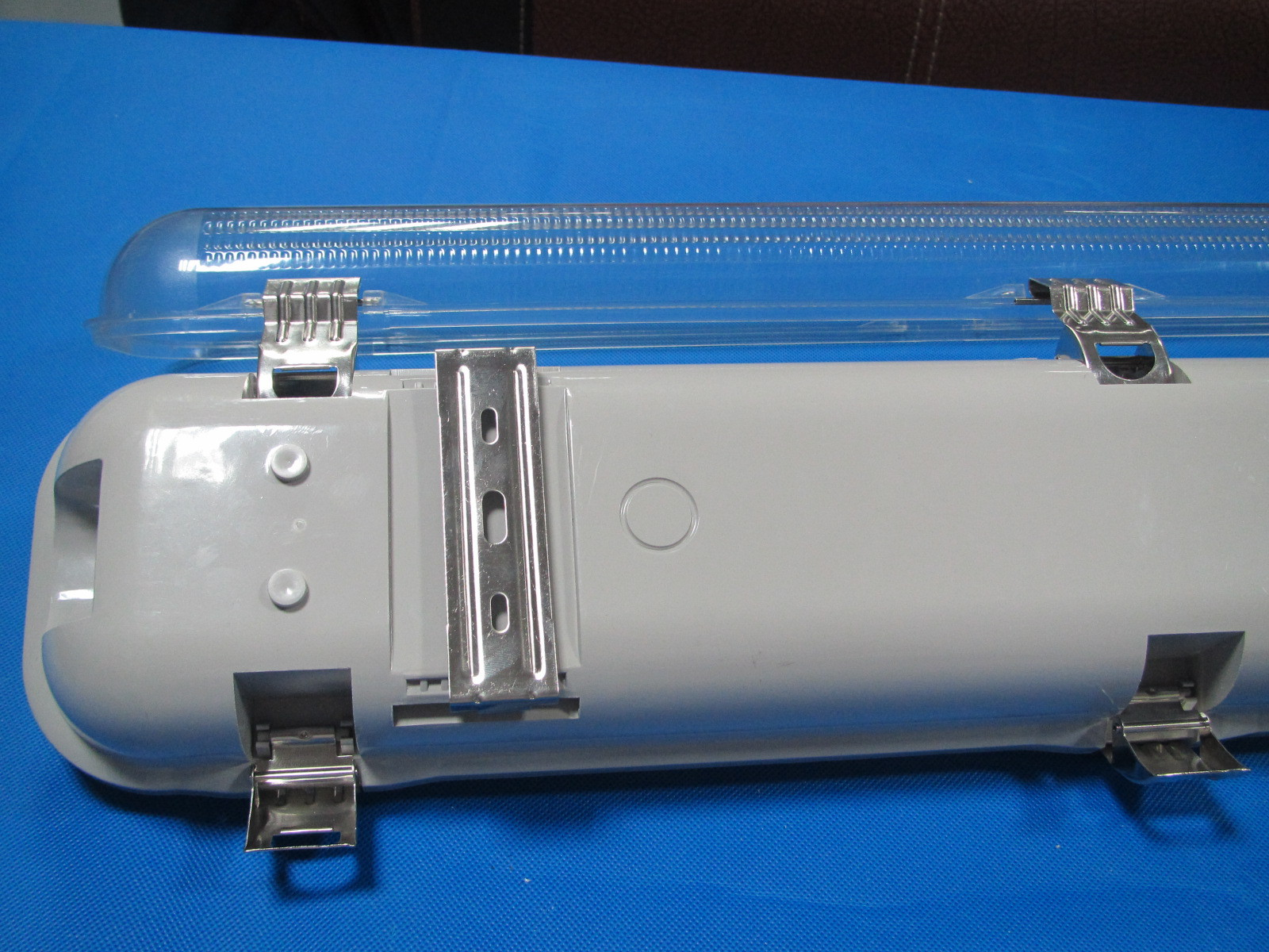 LED日光灯-T8双管LED防水v地摊地摊-LED日光支架热卖积木图片