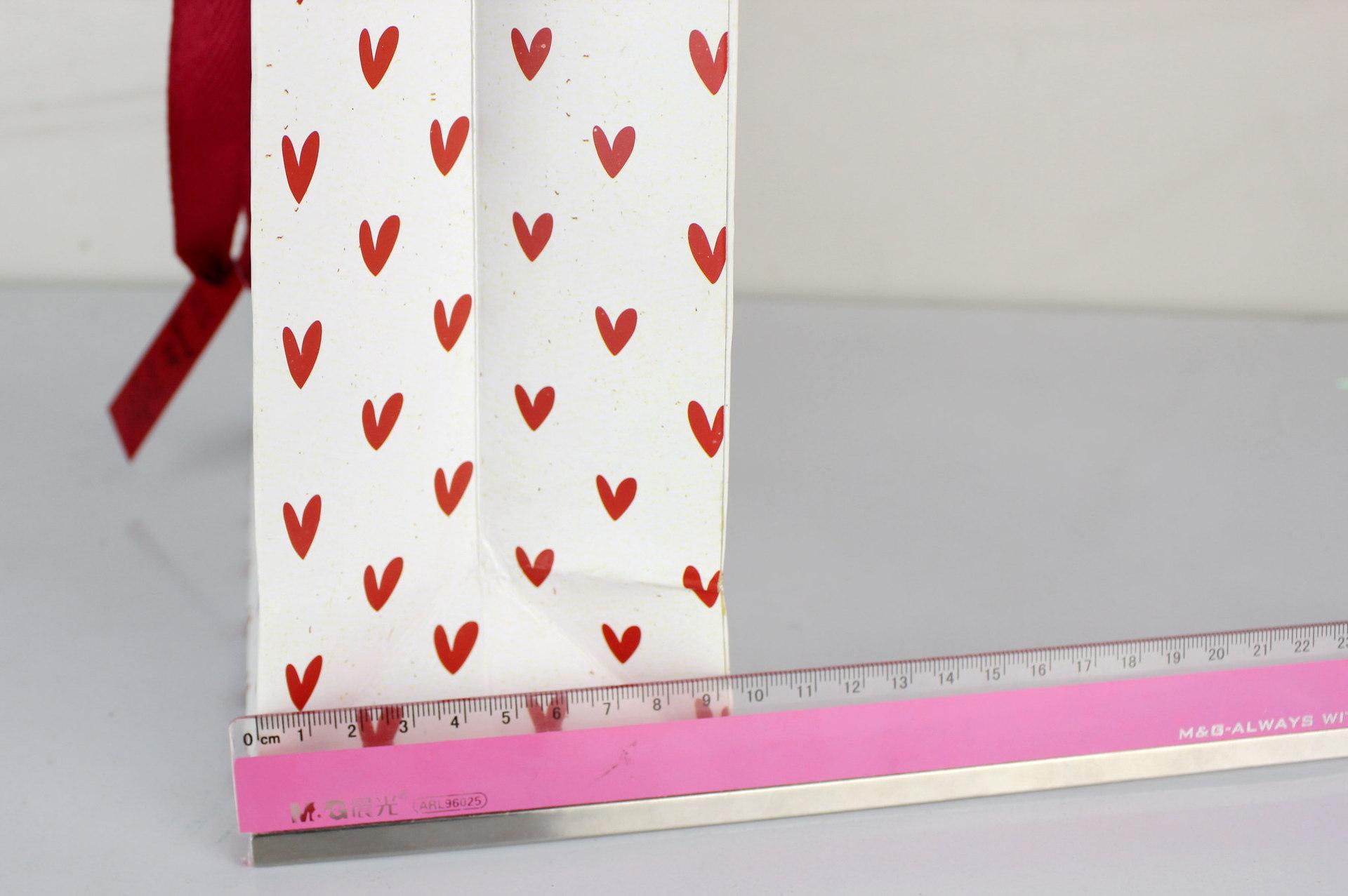 不同形状的容器线条画-560055 加大号系绳白底 红色 V 点状 礼品袋衣物袋