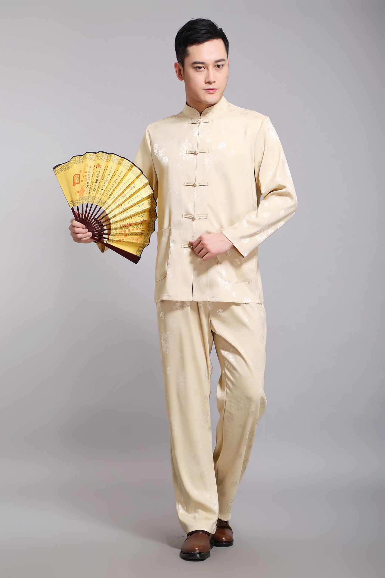 Silver armor Tang dynasty men's summer Tang dynasty male Kit Han-long-sleeved China wind up the clip in silk manually older Chinese men yellow聽175 pictures, prices, brand platters! The elections are supplied in the national character of distribution, so action, buy now enjoy more preferential! As soon as possible.