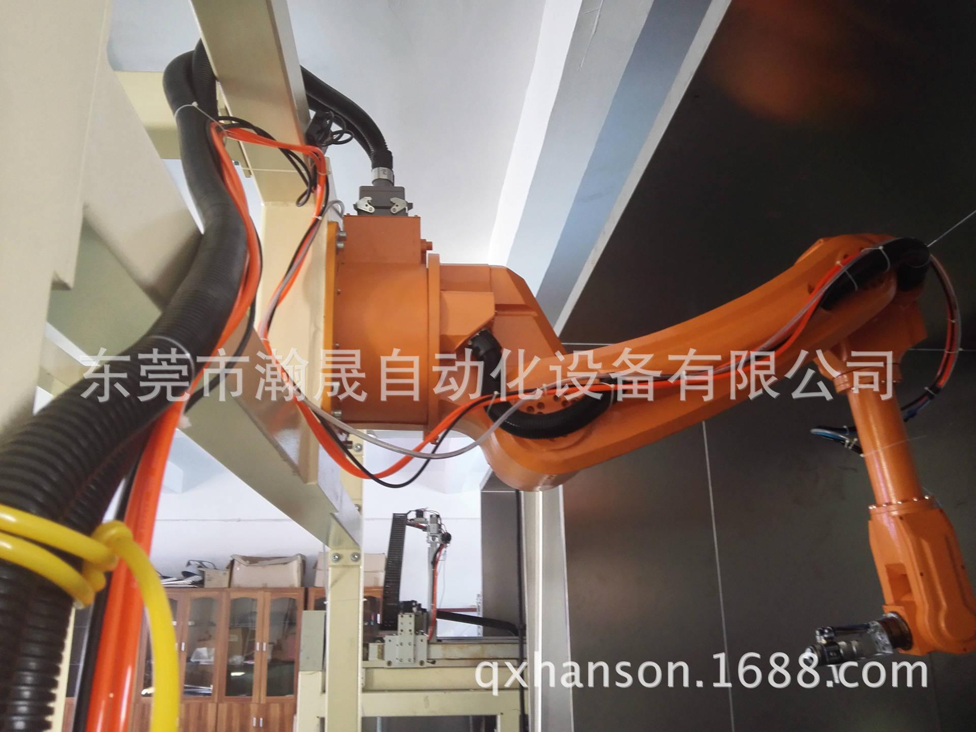 工业机器人 工业机器人 涂装车间 汽车涂装机器人 阿里巴巴高清图片